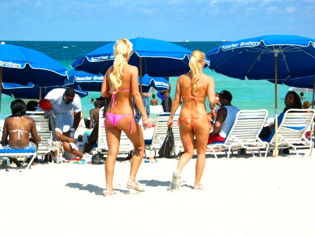 Stunning Blonde Bikini Beauties - Copyright © 2012 JiMmY RocKeR PhoToGRaPhY
